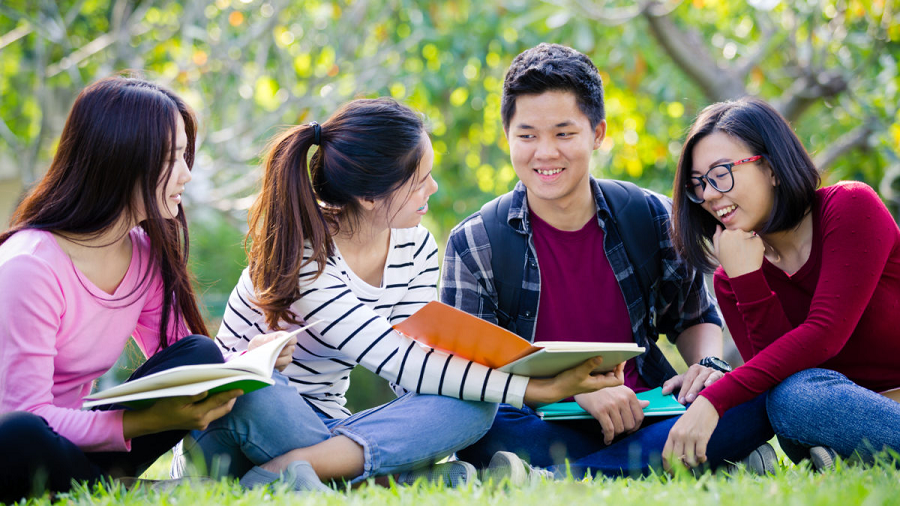 6 Colleges For International Students To Study On A Budget!