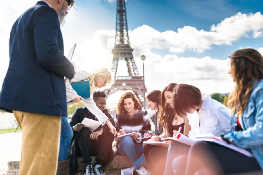 5 Common Challenges You'll Face While Studying Abroad